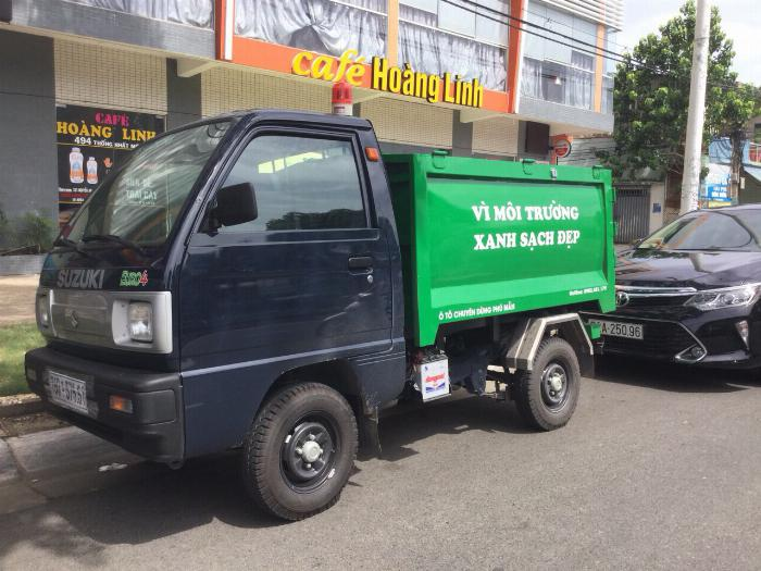 Xe ben chở rác suzuki 500kg thùng 2 khối vào hẽm 0