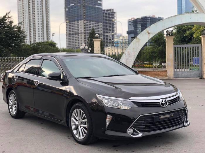 Bán xe Toyota Camry 2.5Q sản xuất 2018 2