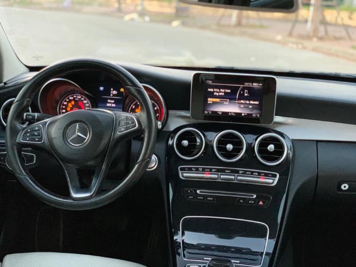 Cần bán xe Mercedes Benz C200 xanh cavansite 2015 4