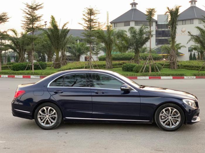 Cần bán xe Mercedes Benz C200 xanh cavansite 2015 6