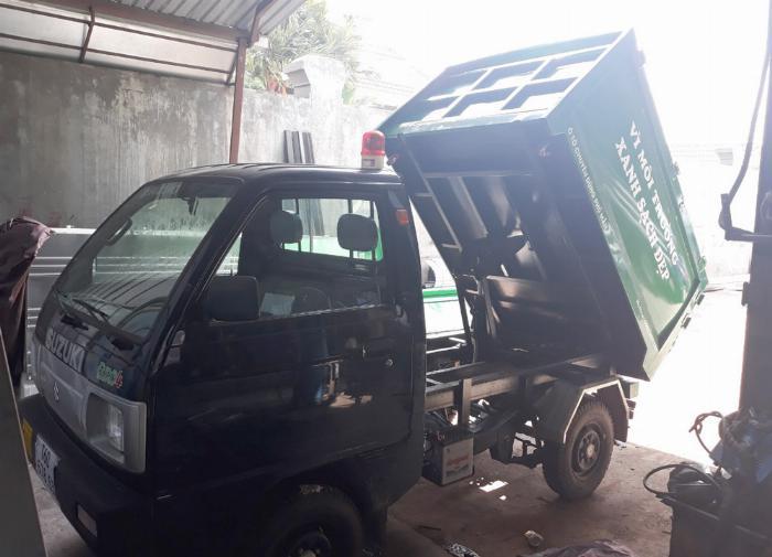 Xe ben chở rác suzuki 500kg thùng 2 khối vào hẽm 3