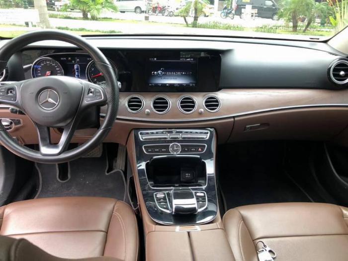Cần bán Mercedes Benz 2016 đăng ký 2017 mầu đên nội thất nâu 5