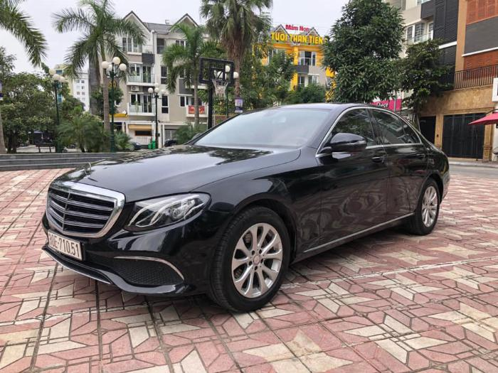 Cần bán Mercedes Benz 2016 đăng ký 2017 mầu đên nội thất nâu 6