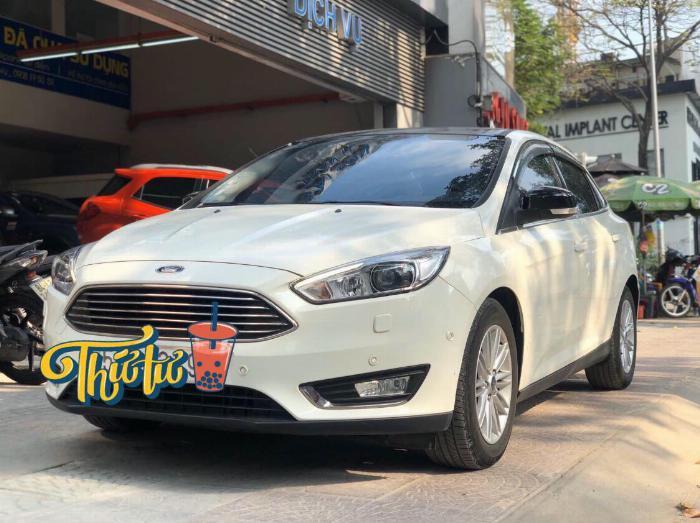 Ford Focus Titanium 2017 đã đi 19.000km, giá chỉ 699 triệu