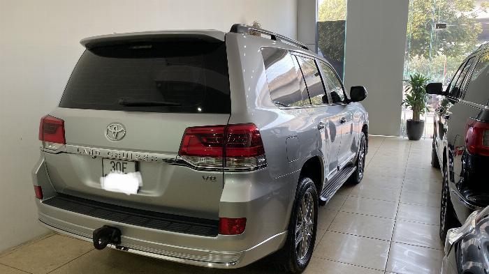Bán Toyota Land Cruise 4.6,màu bạc 2016,Hóa đơn VAT 1,7 tỷ ,xe siêu mới ,biển Hà Nội. 3