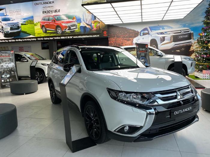 Mitsubishi Outlander 2.0, giá từ 807tr, hỗ trợ 50% trước bạ