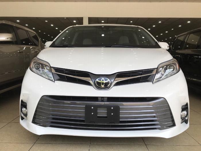 Toyota Sienna 3.5 Limited nhập Mỹ ,sản xuất và đăng ký cuối 2018,1 chủ từ đầu ,biển Hà Nội,xe siêu mới .