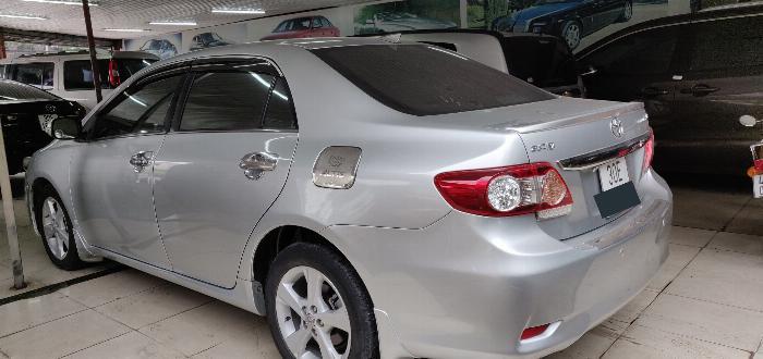 Cần bán gấp Toyota Corolla Altis 2.0V màu Bạc đời 2011