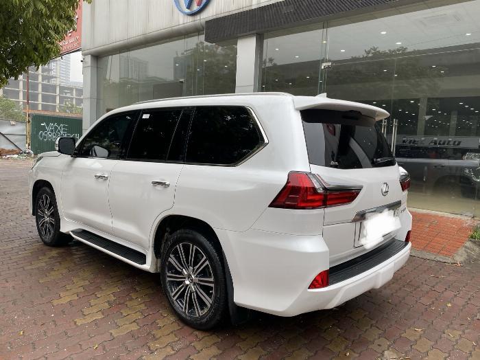 Lexus LX570 Nhập Mỹ 2019,lăn bánh 8000 Km,mới 99,9%,xe full kịch đồ . 4