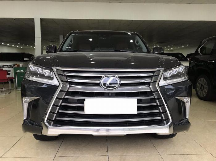 Lexus LX570 sản xuất và đăng ký 2016,màu đen,nội thất nâu,1 chủ từ đầu,có hóa đơn VAT .