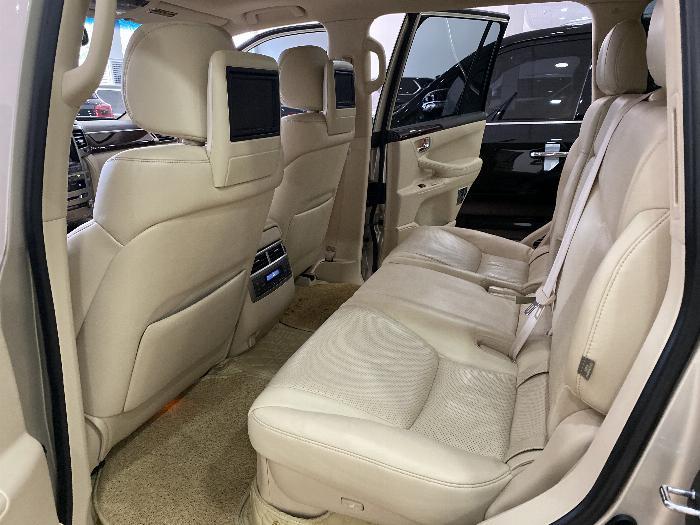 Lexus LX570 nhập Mỹ,màu vàng,nội thất kem,đăng ký 2016,xe siêu đẹp,biển Hà nội, 5