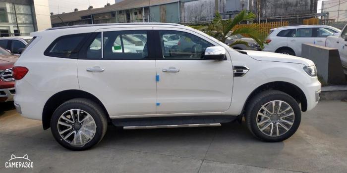 Ford Everest Titanium 1 cầu 2020 có hàng giao ngay