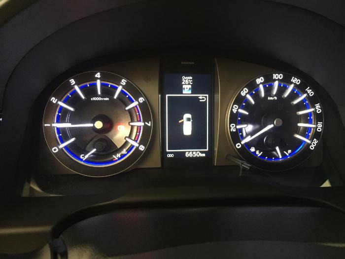 Bán xe Innova V sx 2017 chạy 6.600 km, giao xe ngay đi tết 6