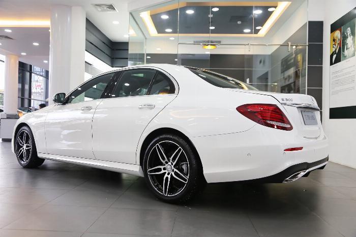 Mercedes E300 Đủ Màu, Ưu Đãi Lên Đến 230 Triệu 3