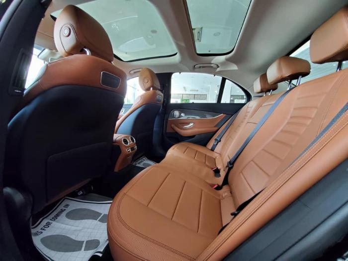 Mercedes E300 Đủ Màu, Ưu Đãi Lên Đến 230 Triệu 27