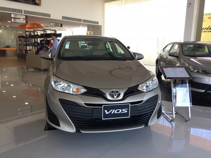 Xe sedan hạng B: Toyota Vios 23.998 chiếc