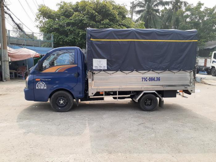 Xe tải Hyundai H150. Tải 1,45 tấn. trả trước 120 triệu có xe 3