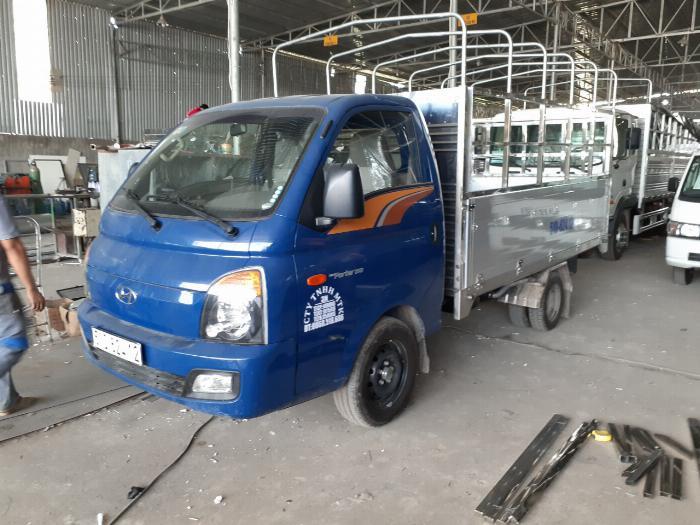 Xe tải Hyundai H150. Tải 1,45 tấn. trả trước 120 triệu có xe 2