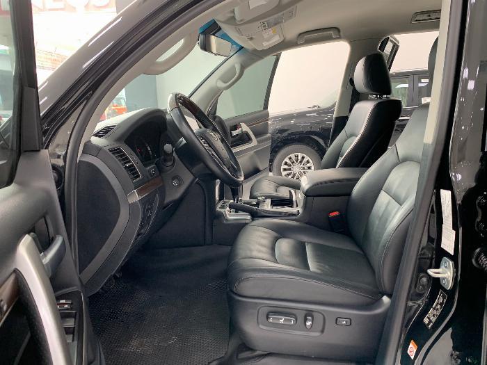 Bán Toyota Landcruiser model 2017 xe đẹp giá tốt 2