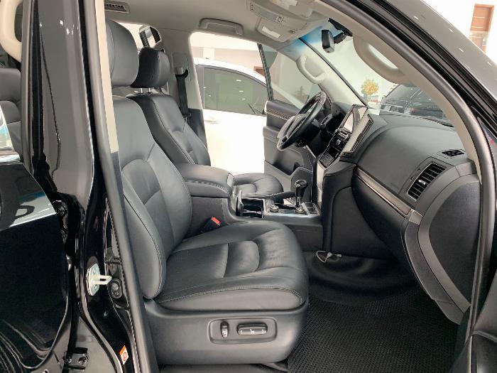 Bán Toyota Landcruiser model 2017 xe đẹp giá tốt 5