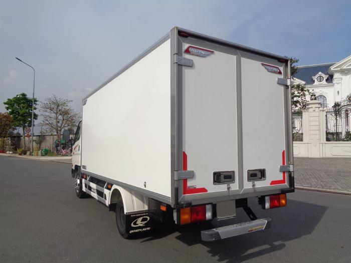 Xe tải Hyundai N250SL. Thùng Đông Lạnh Quyền 3