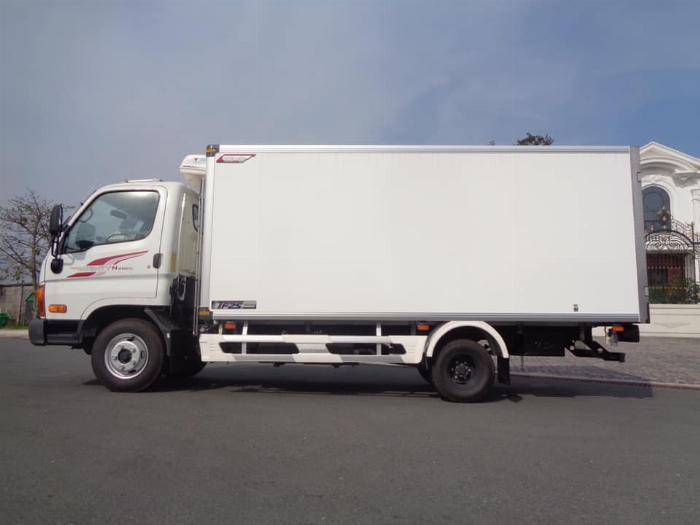 Xe tải Hyundai N250SL. Thùng Đông Lạnh Quyền 1