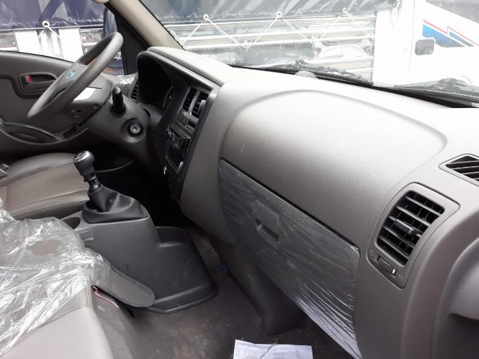 Xe tải Hyundai H150. Tải 1,45 tấn. trả trước 120 triệu có xe 5