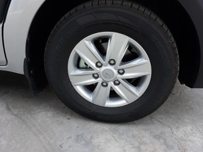 Giá xe Hyundai Solati 16 chỗ , Hổ trở trả góp 70 - 90% 2