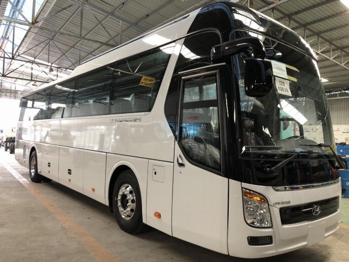 Giá Xe Hyundai Universe 47 chỗ. Hổ trợ 70 - 90% 5