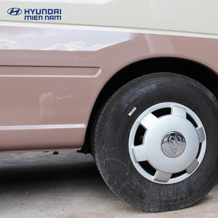 Giá Xe Hyundai County 29 chỗ. Hổ trợ 70 - 90% 7