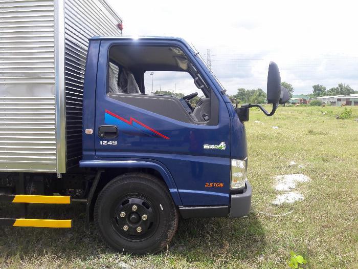 Xe Tải IZ49 Tải 1,9 2,4 tấn chạy vào thành phố. Hổ trợ 70 - 90% 8