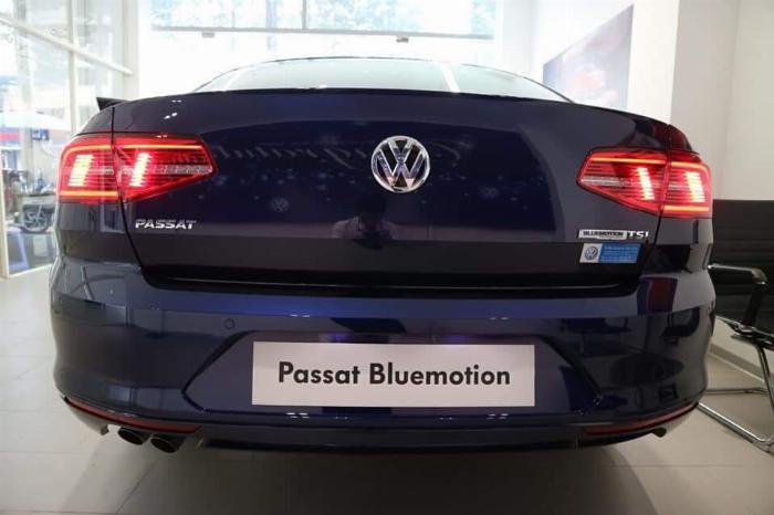 Bán nhanh chiếc Passat Blumetion mà xanh blue 5 chỗ giá rẻ, nhập nguyên con từ Đức 5