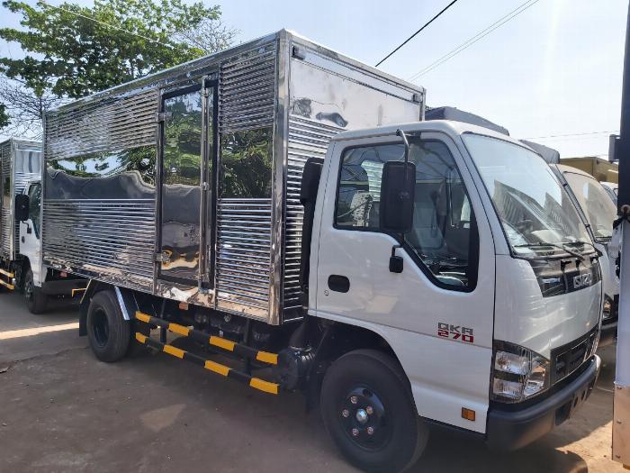 giá xe tải isuzu qkr270 thùng kín