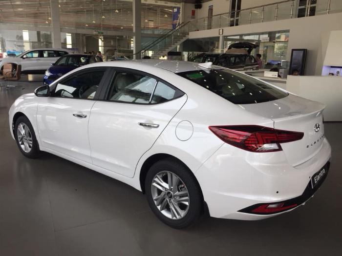 Hyundai Elantra 2020, đủ màu giao ngay 1