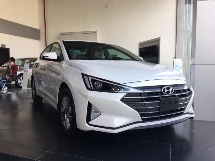 Hyundai Elantra 2020, đủ màu giao ngay 4