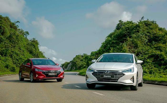 Hyundai Elantra 2020, đủ màu giao ngay 13