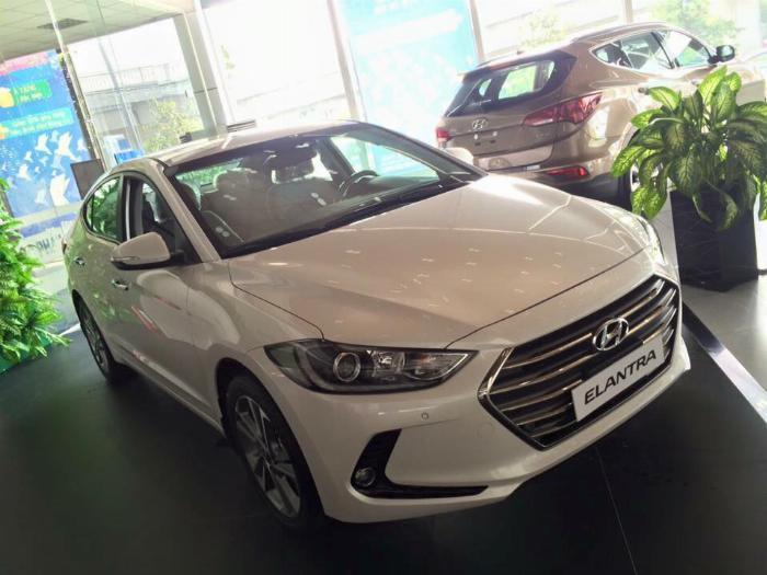 Hyundai Elantra 2020, đủ màu giao ngay 16