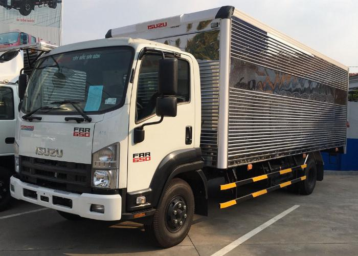 giá xe tải isuzu frr 650 6.5 tấn thùng kín