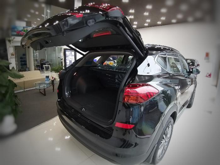 Hyundai Tucson 2.0 CRDi (Dầu) 2020 4