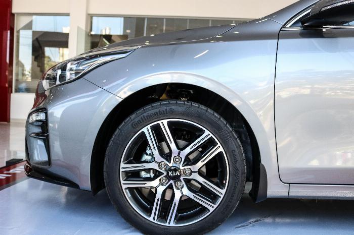 KIA Cerato 2020 Sô tự động 1.6AT Luxury. Tặng Bảo Hiểm + Phụ Kiện. Đưa trước 216 Triệu 7
