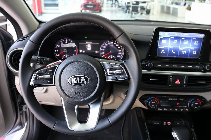 KIA Cerato 2020 Sô tự động 1.6AT Luxury. Tặng Bảo Hiểm + Phụ Kiện. Đưa trước 216 Triệu 10