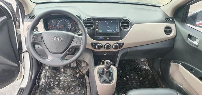 Cần bán Hyundai I10 số sàn 2017 full 1.2 màu Trắng 3