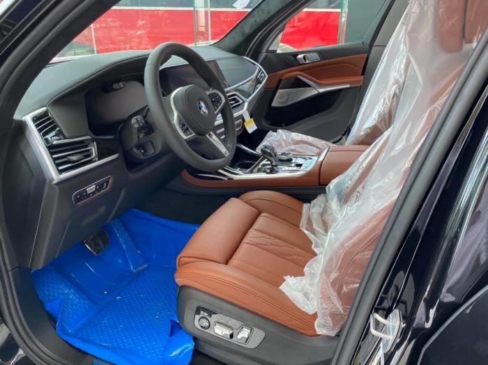 Bán BMW X7 xDrive 40i M Sport 3.0,sản xuất 2020,mới 100%,xe giao ngay. 7