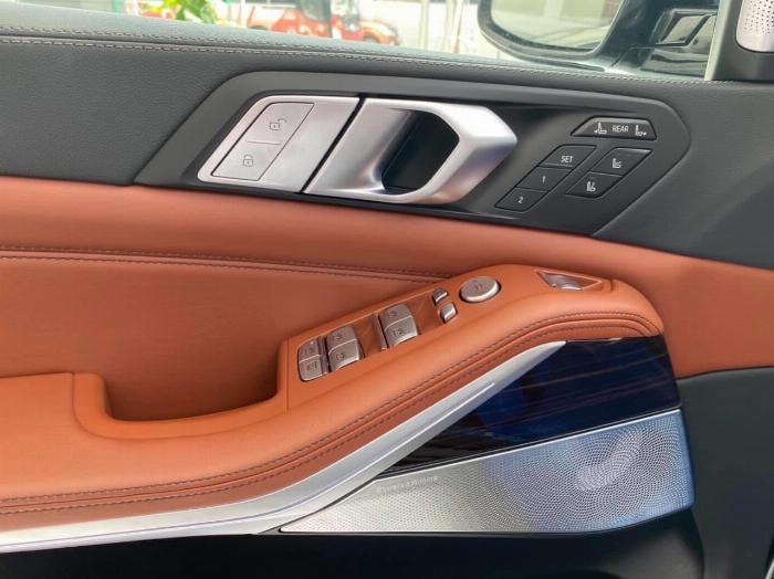 Bán BMW X7 xDrive 40i M Sport 3.0,sản xuất 2020,mới 100%,xe giao ngay. 8