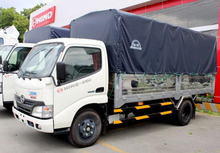 Bán xe tải Hino XZU650L 1,9 tấn thùng mui bạt giá ưu đãi 2
