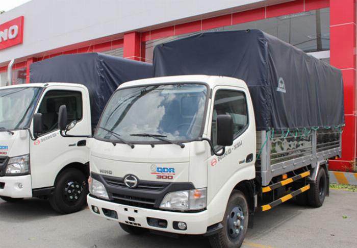 Bán xe tải Hino XZU650L 1,9 tấn thùng mui bạt giá ưu đãi 4
