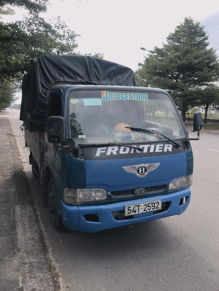 xe tải KIA FRONTIER 1999 2.5 tấn thùng xe 3.33m