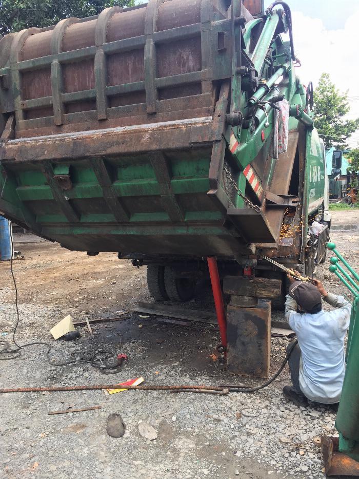 Dịch vụ bảo hành & sửa chữa xe cuốn ép rác - 24/7 tại Bình Dương 2
