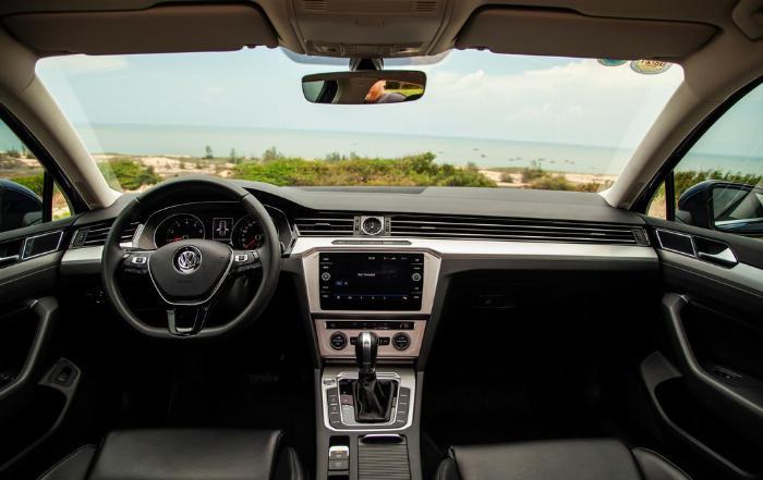 Volkswagen Passat BlueMotion High Giảm giá sốc chỉ còn 1ty 302 triệu 5