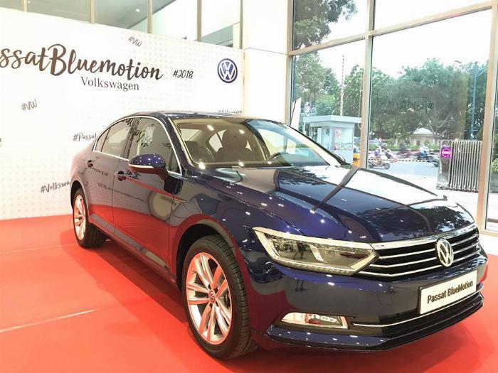 Volkswagen Passat BlueMotion High Giảm giá sốc chỉ còn 1ty 302 triệu 8
